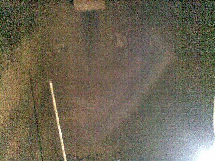 Bagian dalam bunker masih kokoh