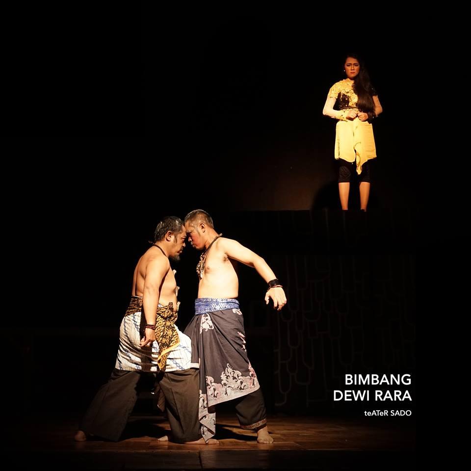 Karya Besar Seni  Teater  Garapan Aan Sugianto Mas yang  Luar
